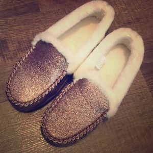 NWOT Slipper shoes moccasin style